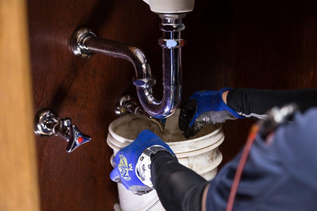 排水トラップ水漏れ修理